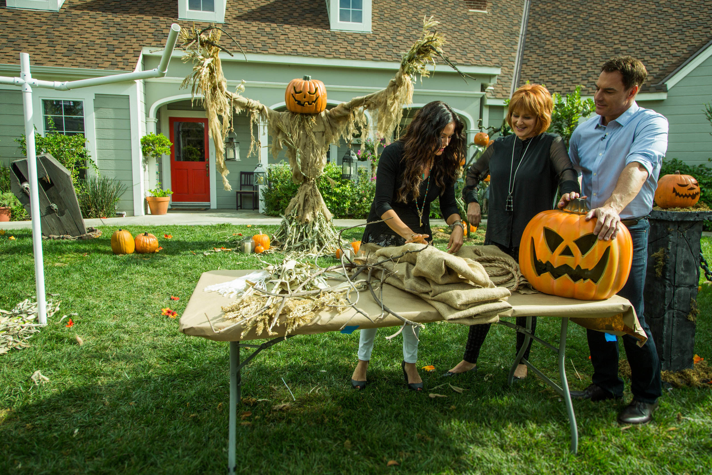 Giant Scarecrows Home Amp Family Video Hallmark Channel