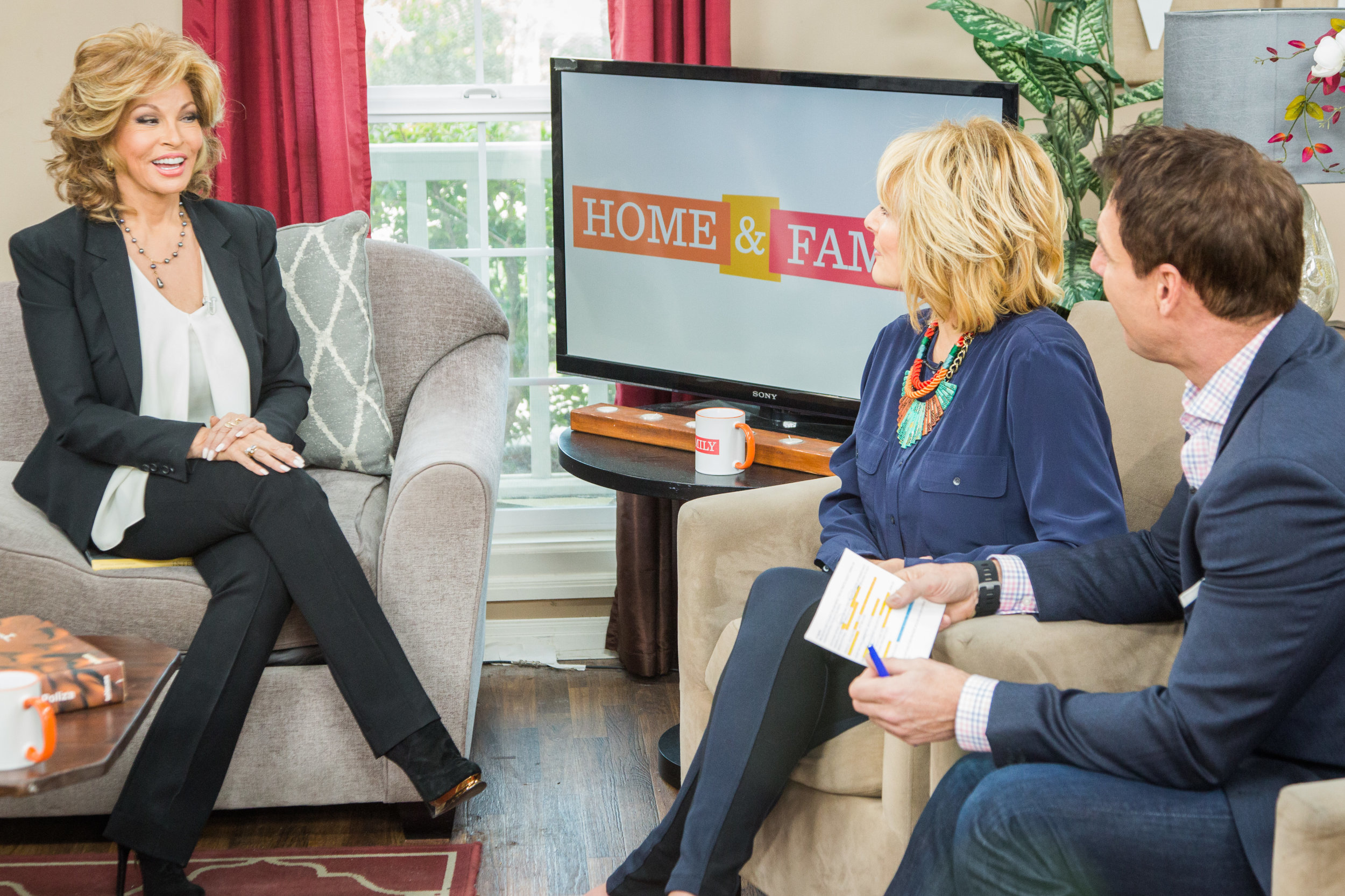 Hollywood steals home and family - Raquel Welch Interview Home Family