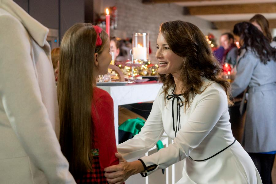 Preview - A Heavenly Christmas | Hallmark Channel