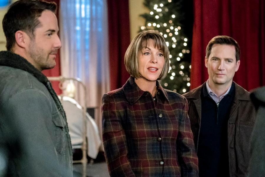 Finding Father Christmas | Hallmark Movies and Mysteries