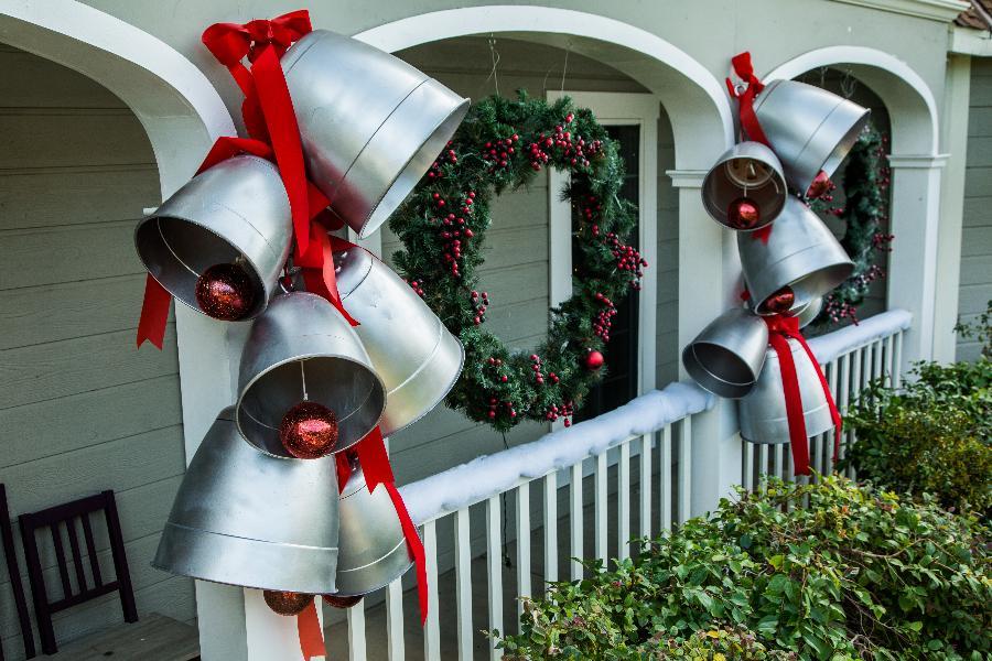 diy giant silver bells home family hallmark channel. Black Bedroom Furniture Sets. Home Design Ideas