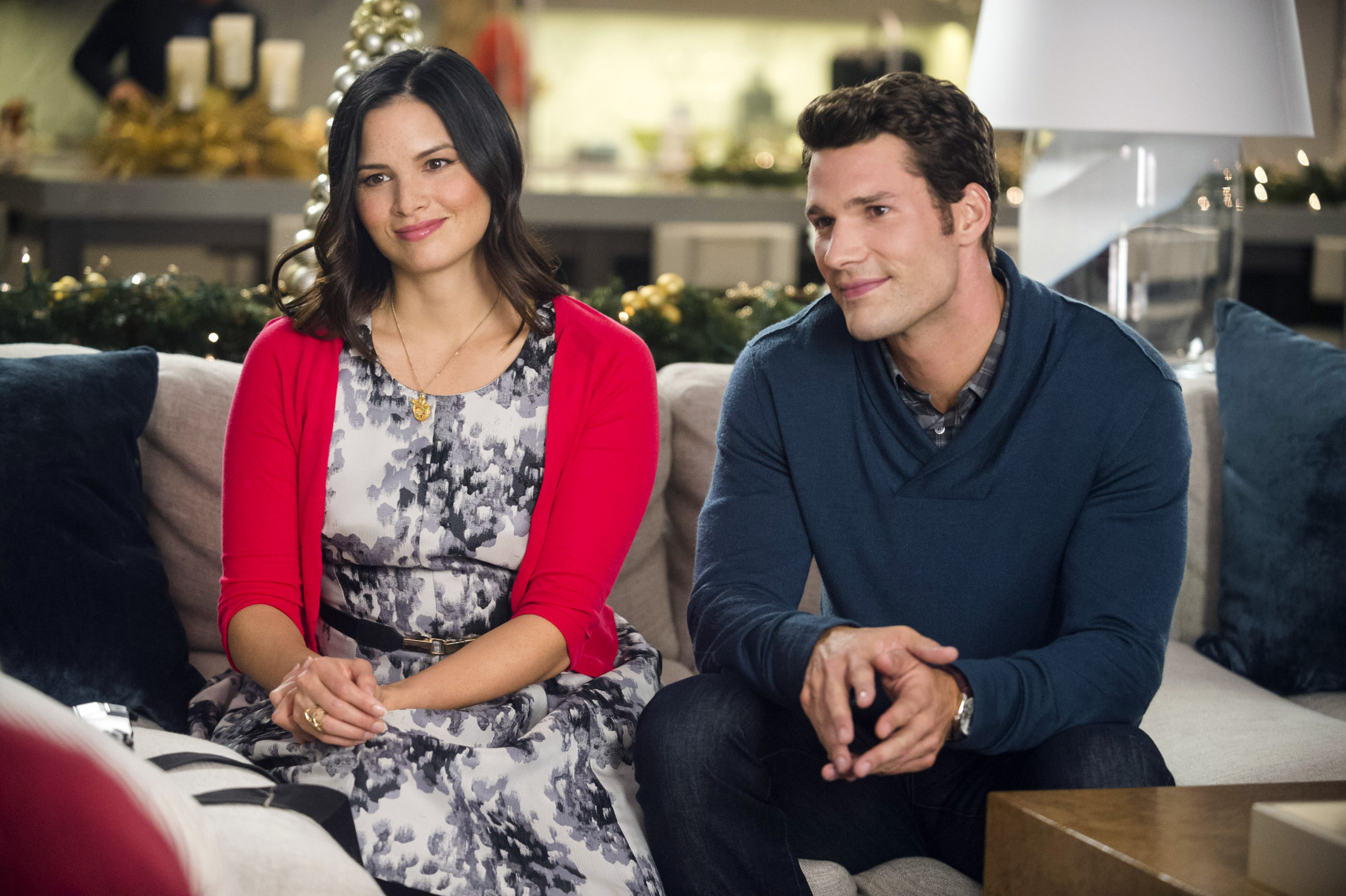 12 Gifts Of Christmas Cast.Preview 12 Gifts Of Christmas Hallmark Channel