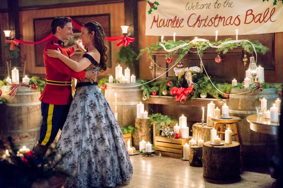 When Calls The Heart Christmas.Preview When Calls The Heart Christmas Hallmark Channel