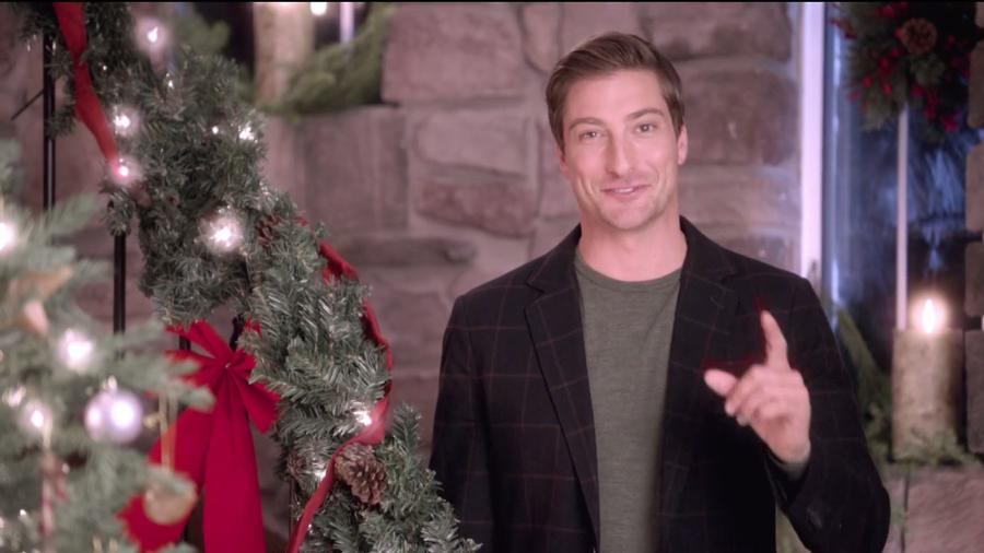 When Calls The Heart Christmas.Sneak Peek With Daniel Lissing When Calls The Heart