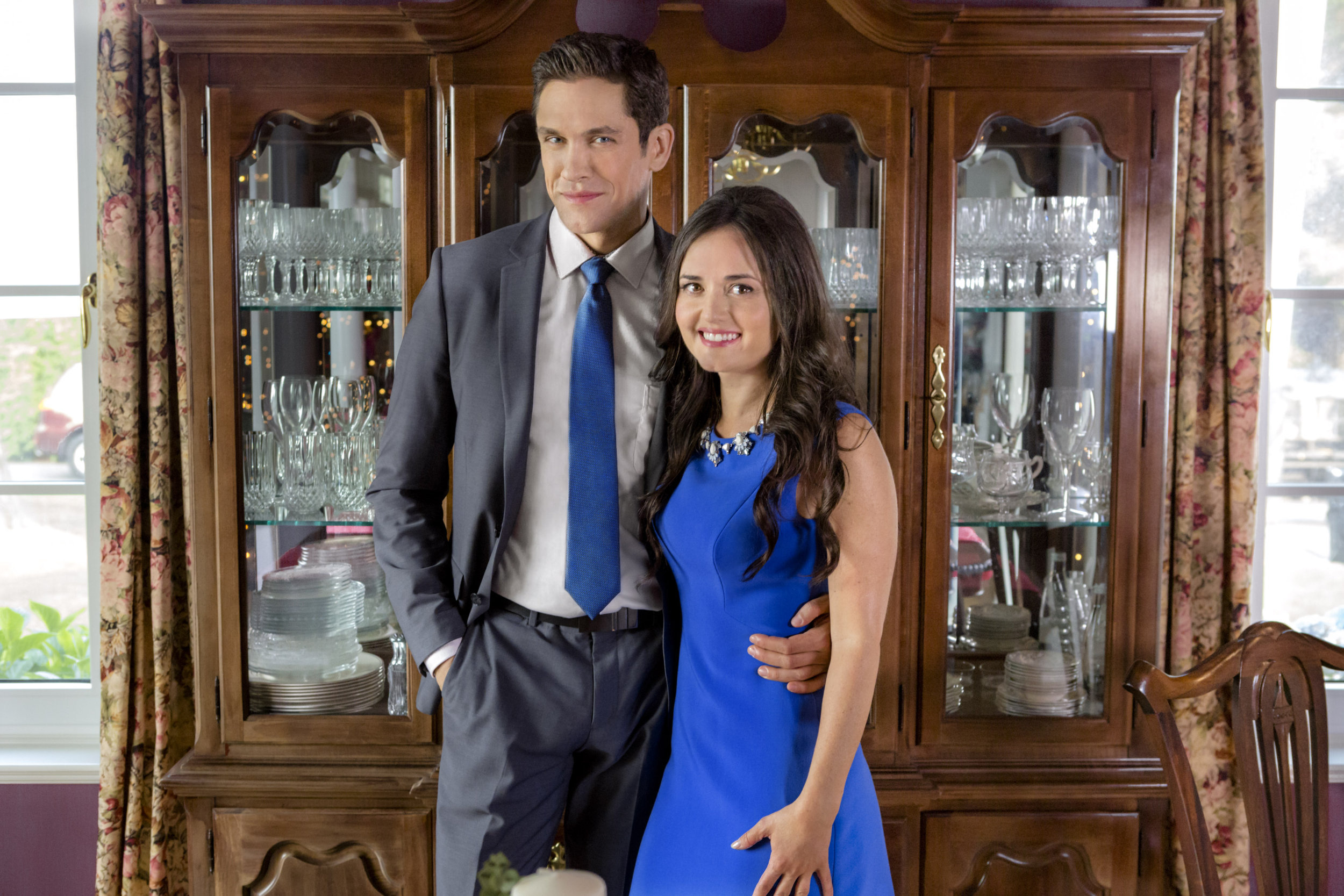 Preview + Sneak Peek - Coming Home for Christmas   Hallmark Channel