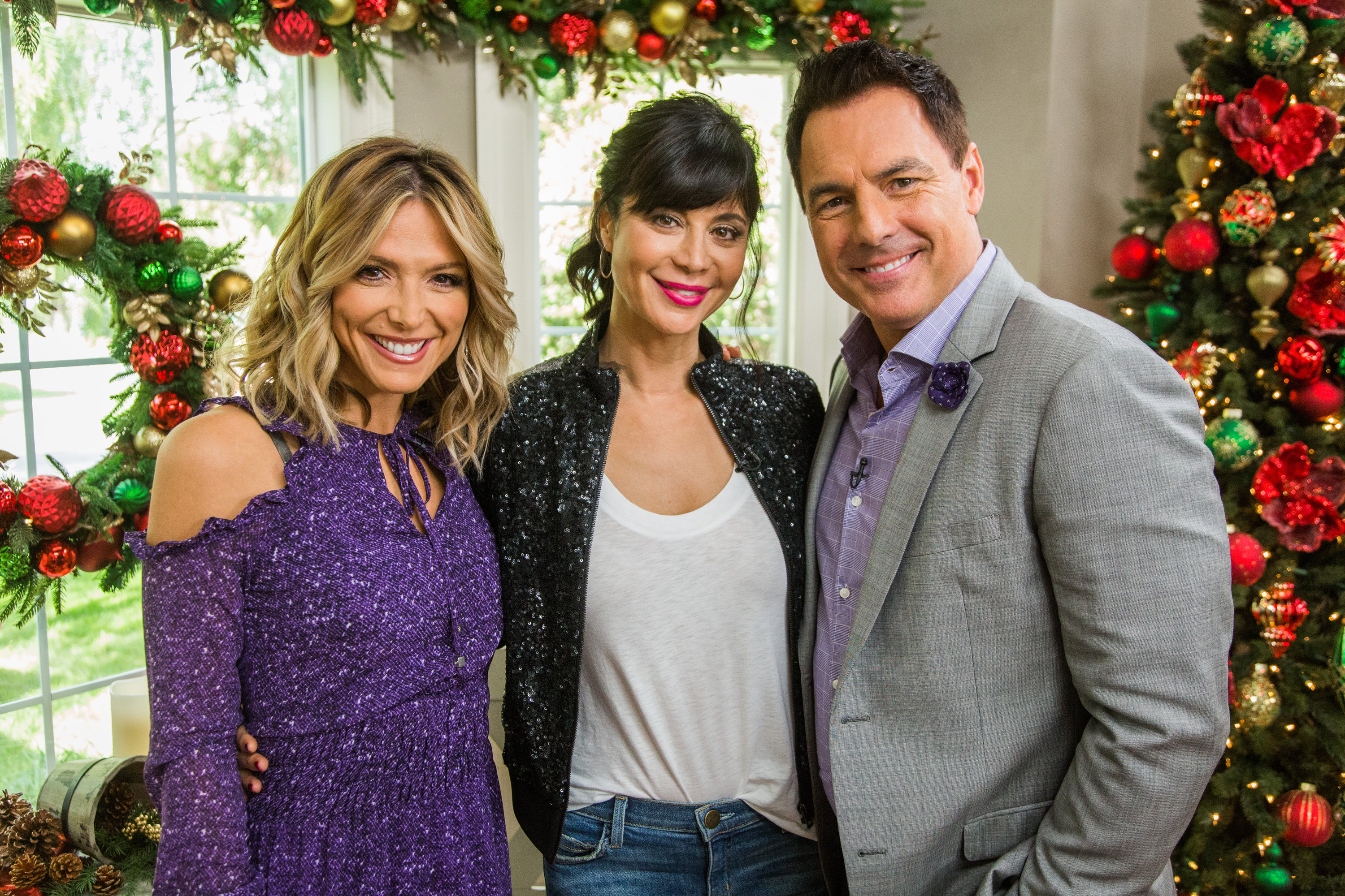 Christmas In The Air.Catherine Bell Talks Holidays Home Family Video