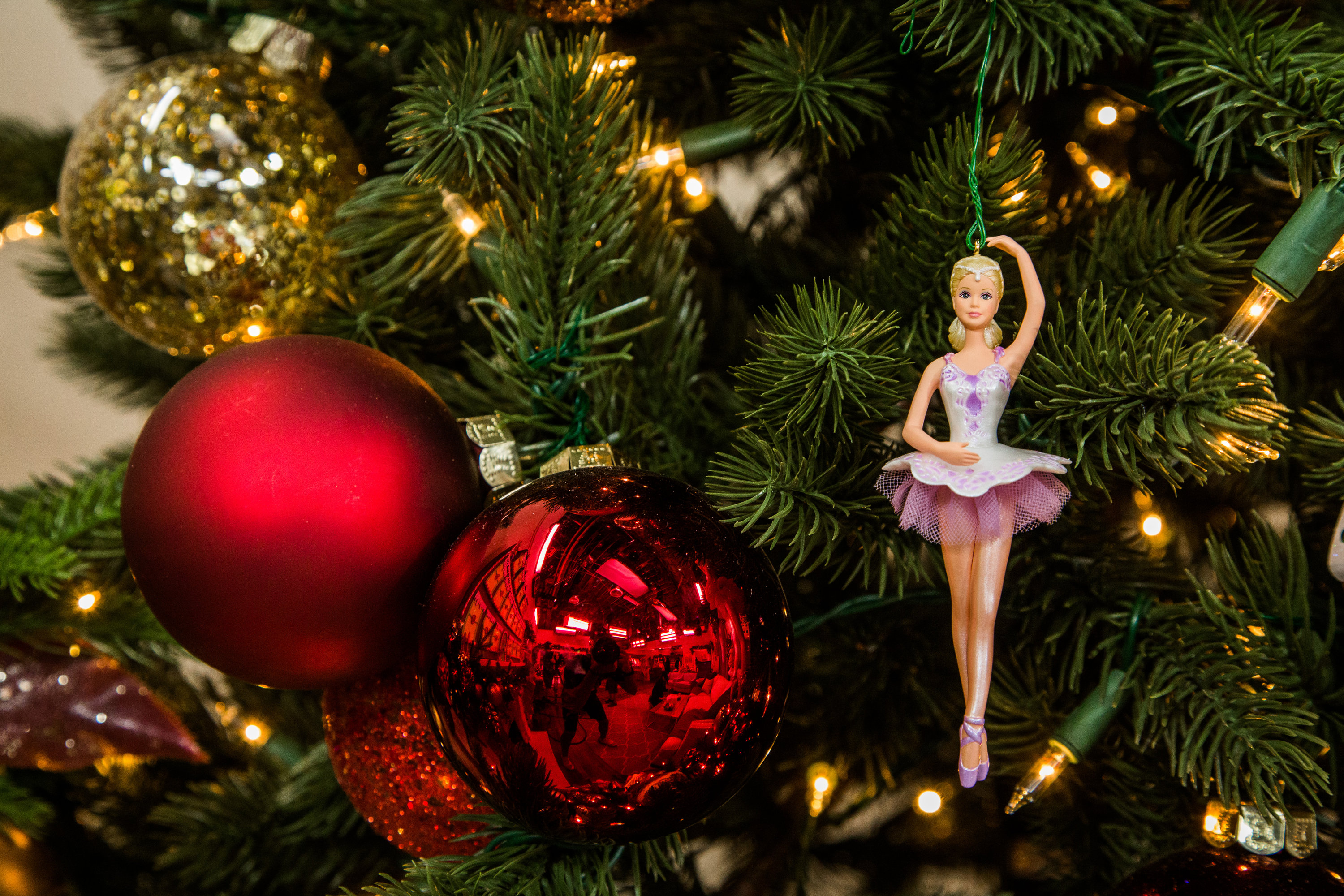 Barbie Christmas Tree Decorations.Ballet Wishes Barbie Ornament Countdown To Christmas