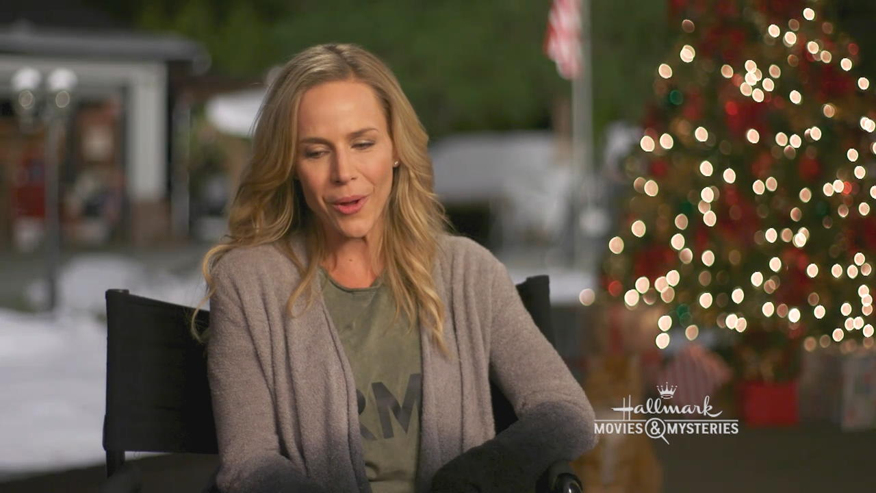 Michael Christmas.Interview Christmas Homecoming Julie Benz About Michael