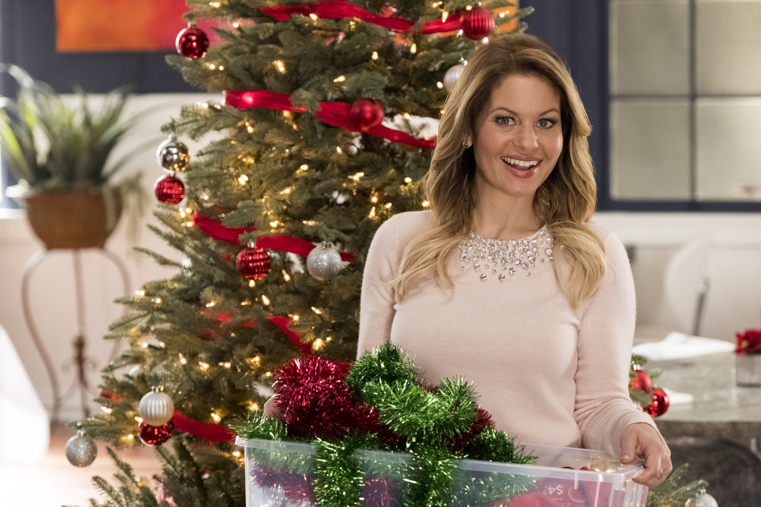Switched For Christmas Cast.Cast Interviews Filming Herself As A Twin Switched For