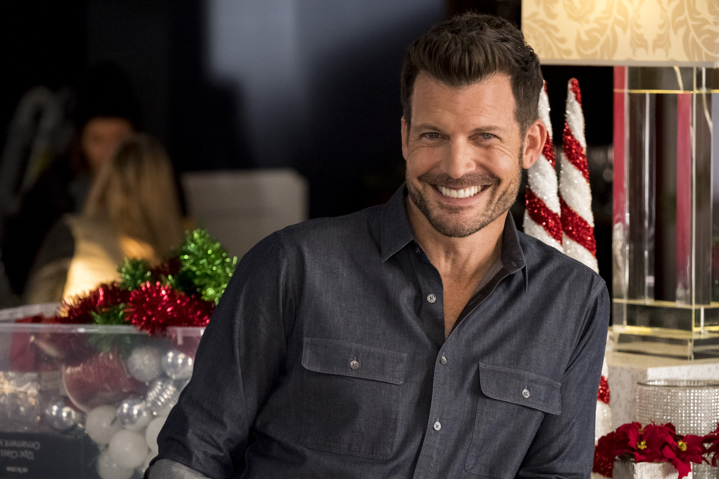 Switched For Christmas Cast.Cast Interviews Holiday Traditions Switched For