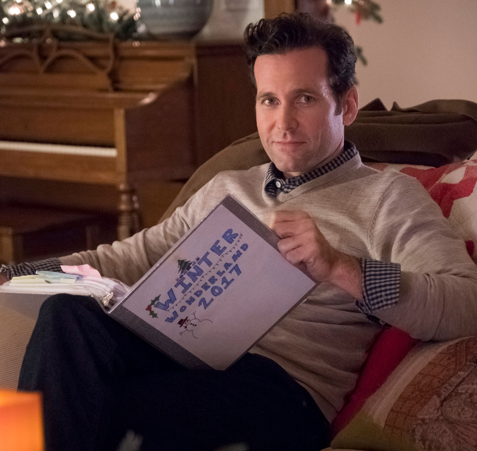 Switched For Christmas Cast.Cast Interviews Playing Santa For His Family Switched