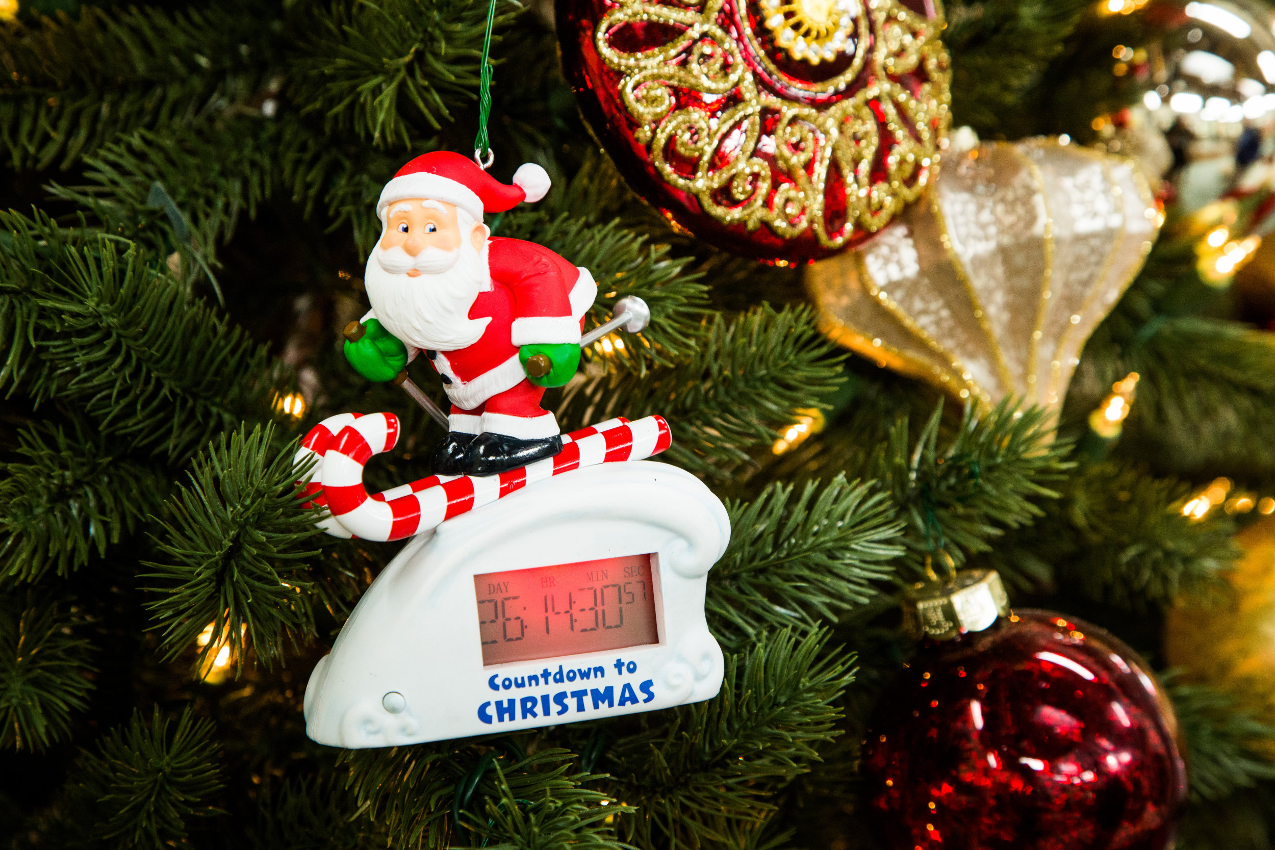 Countdown To Christmas Clock.Santa Skiing Countdown To Christmas Clock Home Family