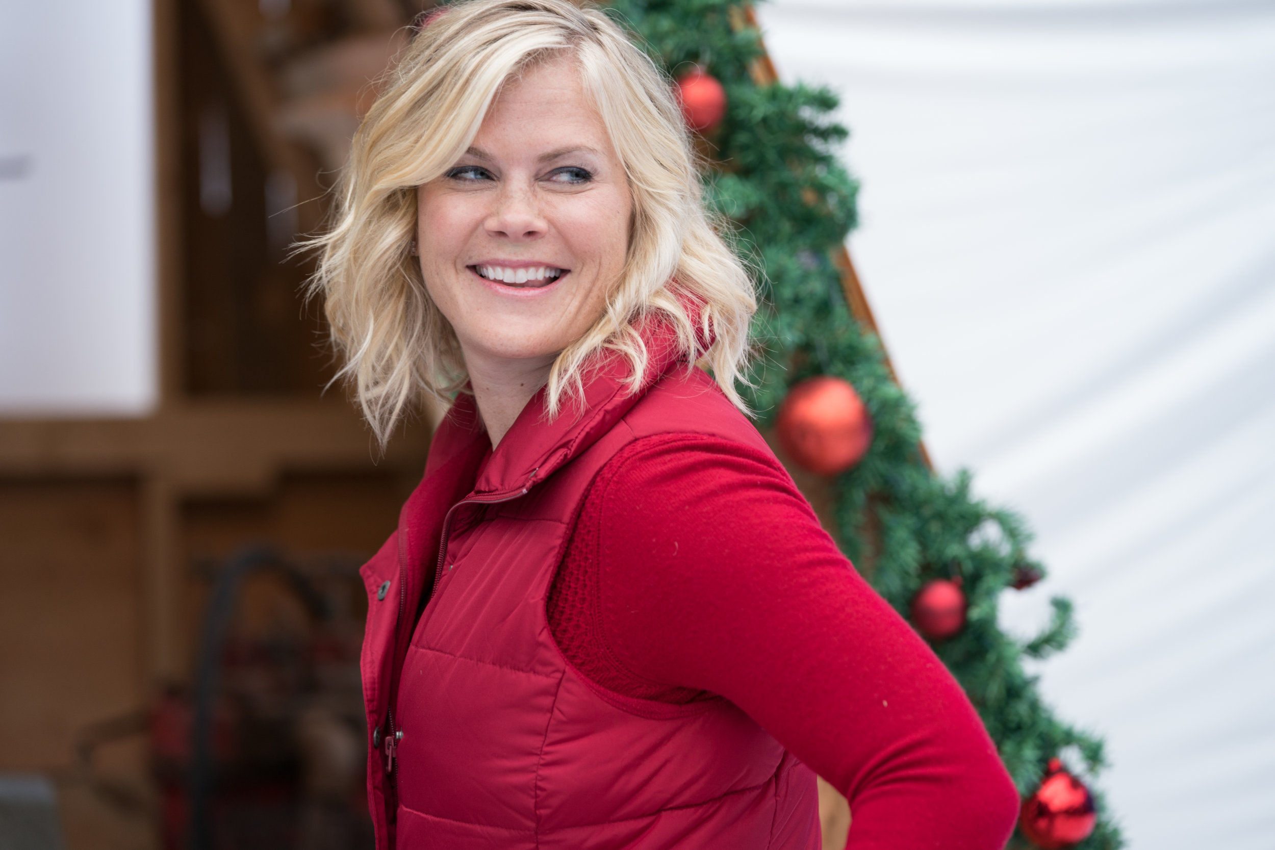 Christmas At Holly Lodge Cast.Cast Interviews Telling Sophie S Story Christmas At