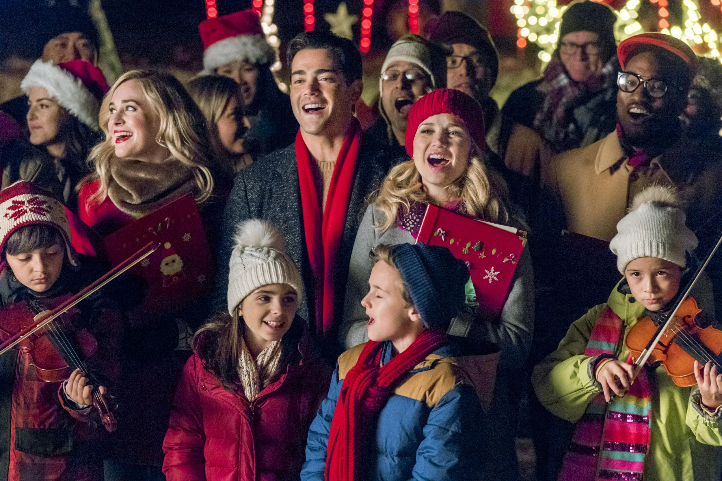 Cast Interviews Fiona S Ornament Party Christmas Next Door