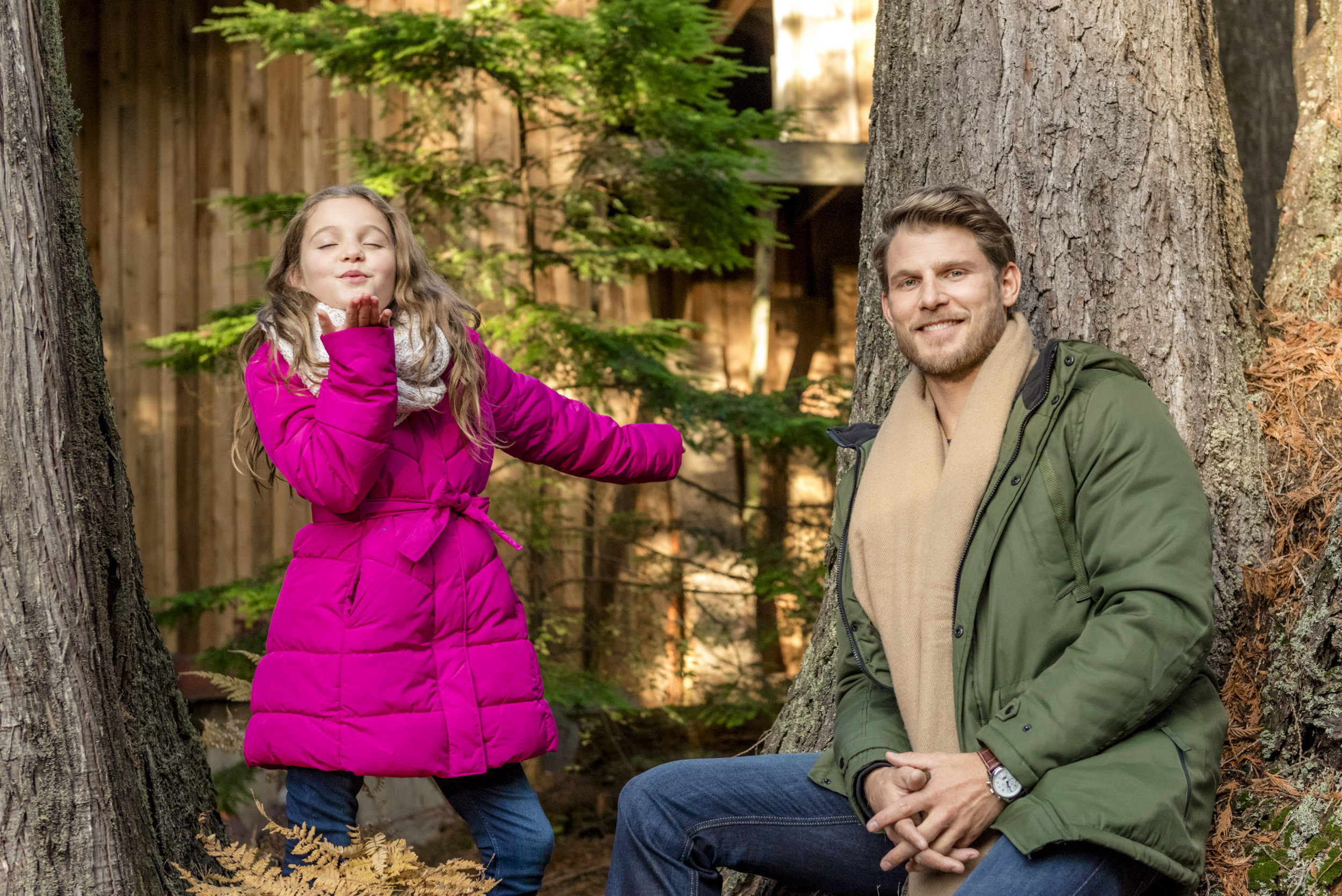 Hallmark Christmas Getaway Cast.Cast Interviews Family Traditions Christmas Getaway