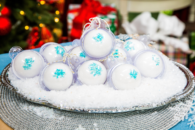 Christmas Bath Bombs.Diy Christmas Bath Bombs Home Family Video Hallmark