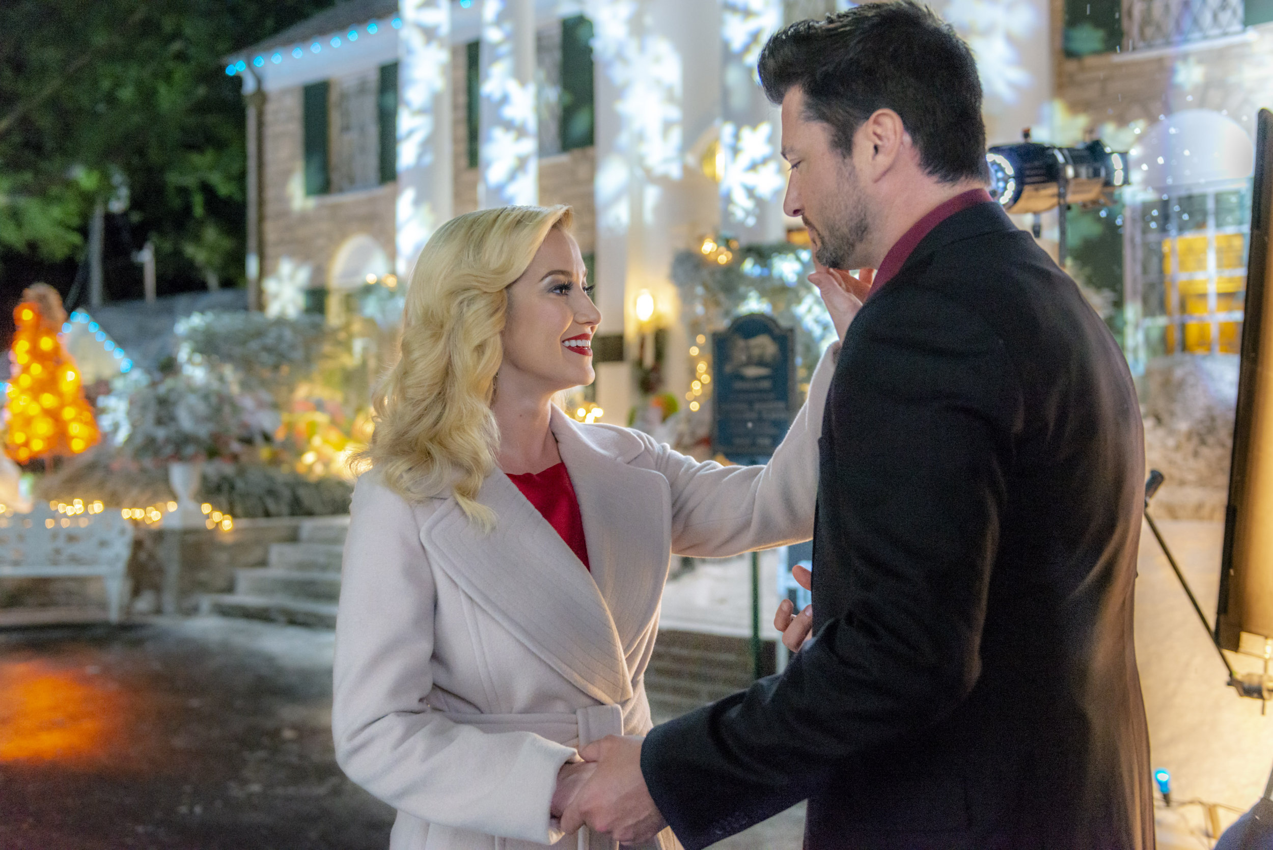 Christmas At Graceland Hallmark.Preview Christmas At Graceland Hallmark Channel