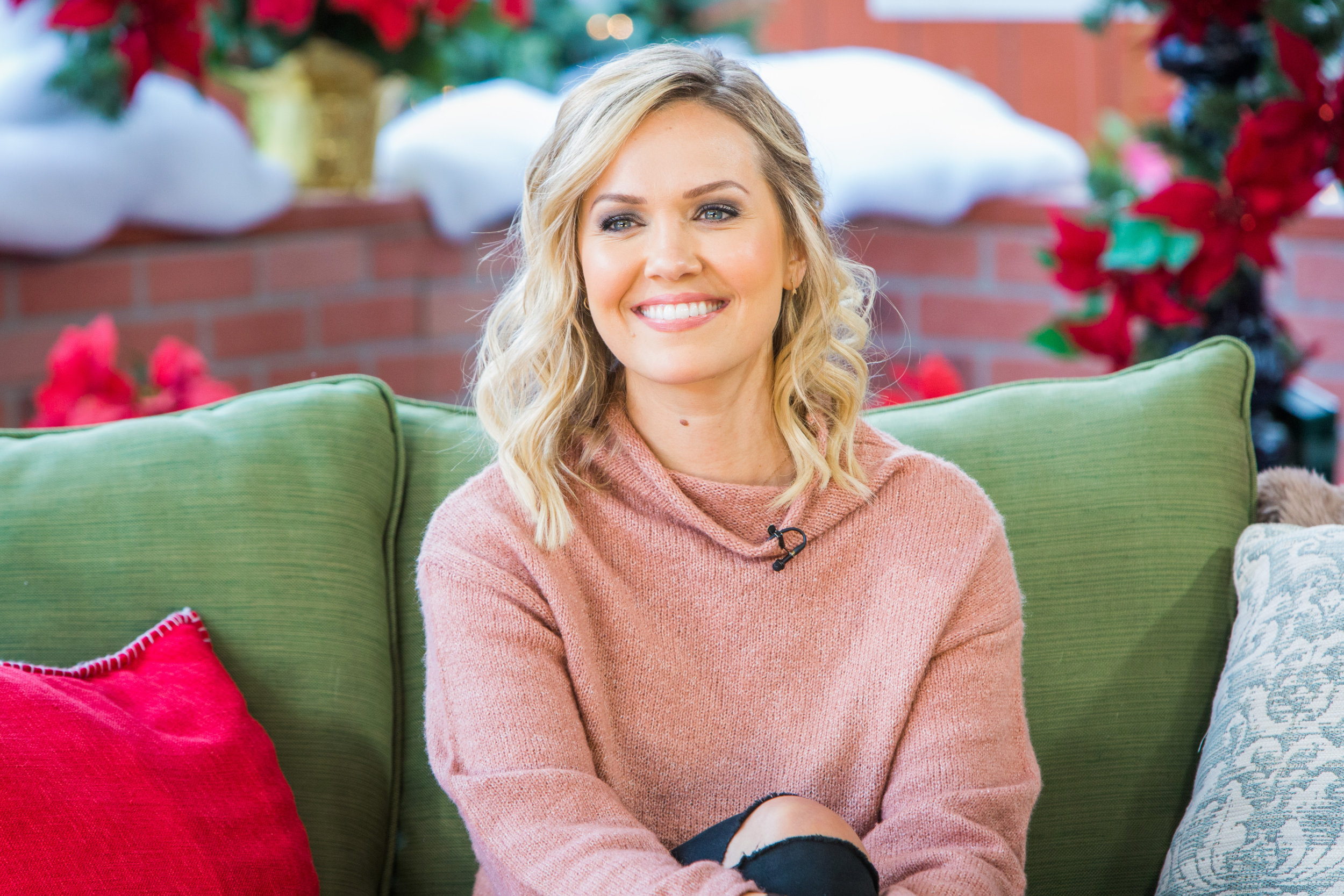 Christmas Bells Are Ringing Hallmark.Tuesday December 11th 2018 Home Family Hallmark Channel