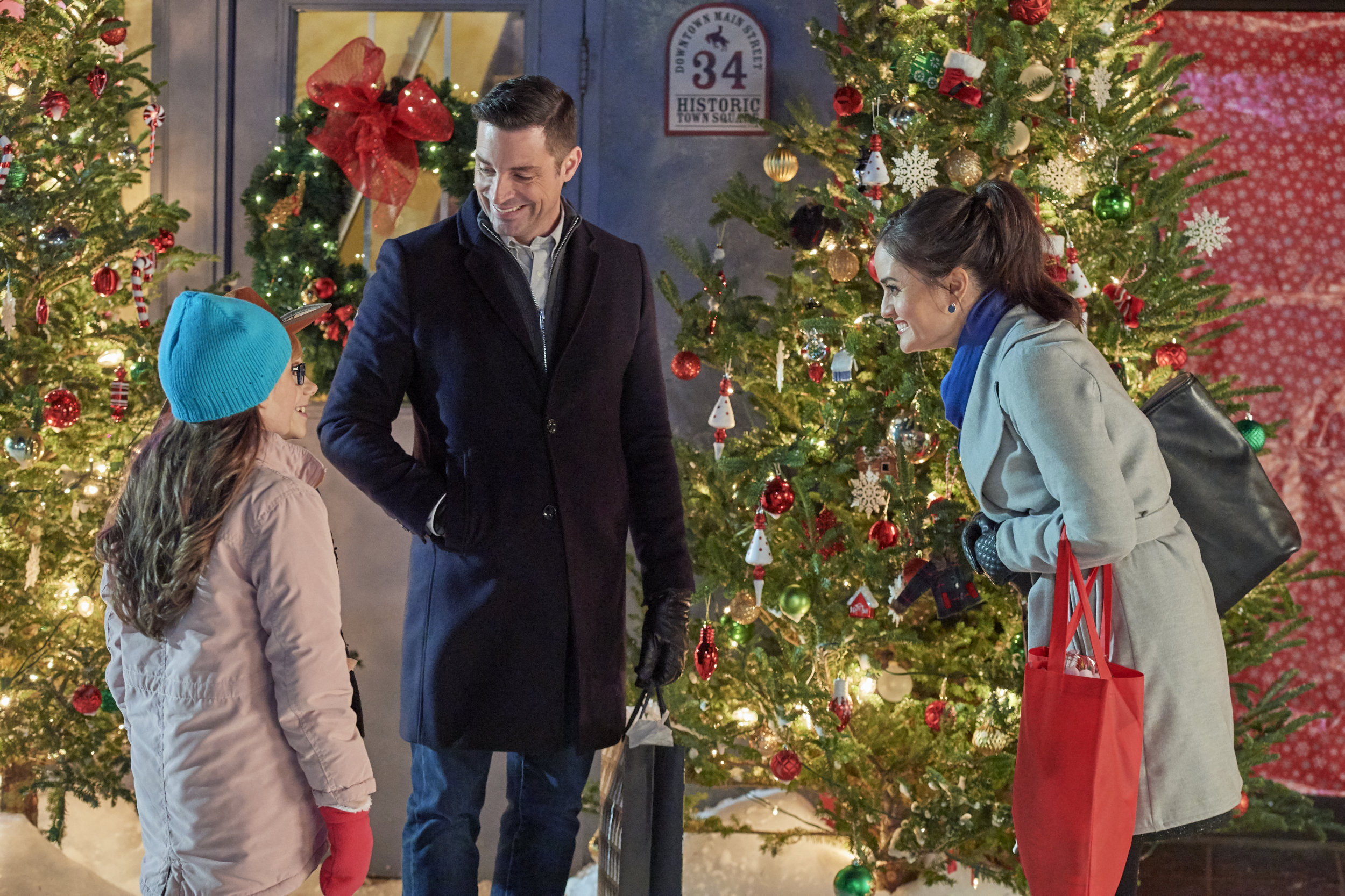 Christmas At Grand Valley.Preview Sneak Peek Christmas At Grand Valley Hallmark