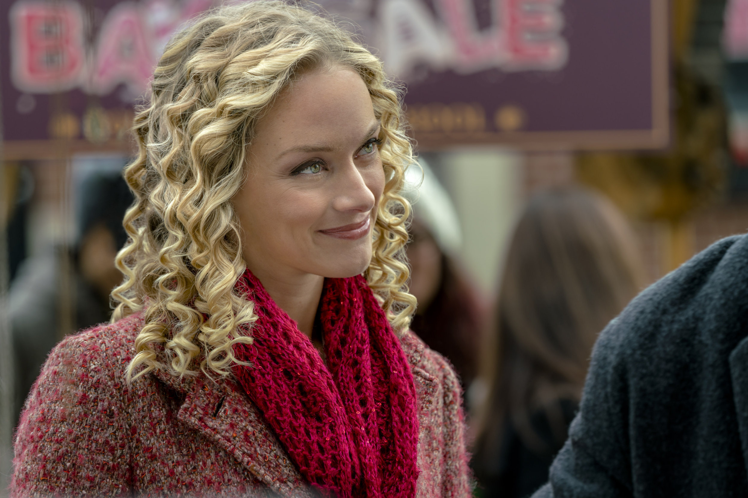 Marry Me For Christmas.Preview Marry Me At Christmas This Friday Hallmark Channel