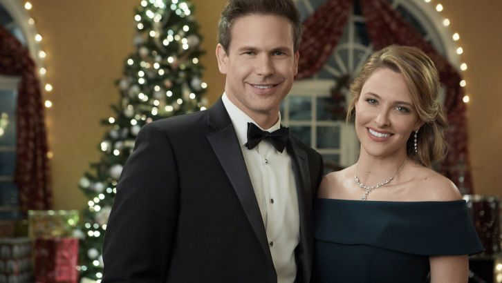 Hallmark Christmas In July Meme.Countdown To Christmas 2019 The Latest News Hallmark Channel