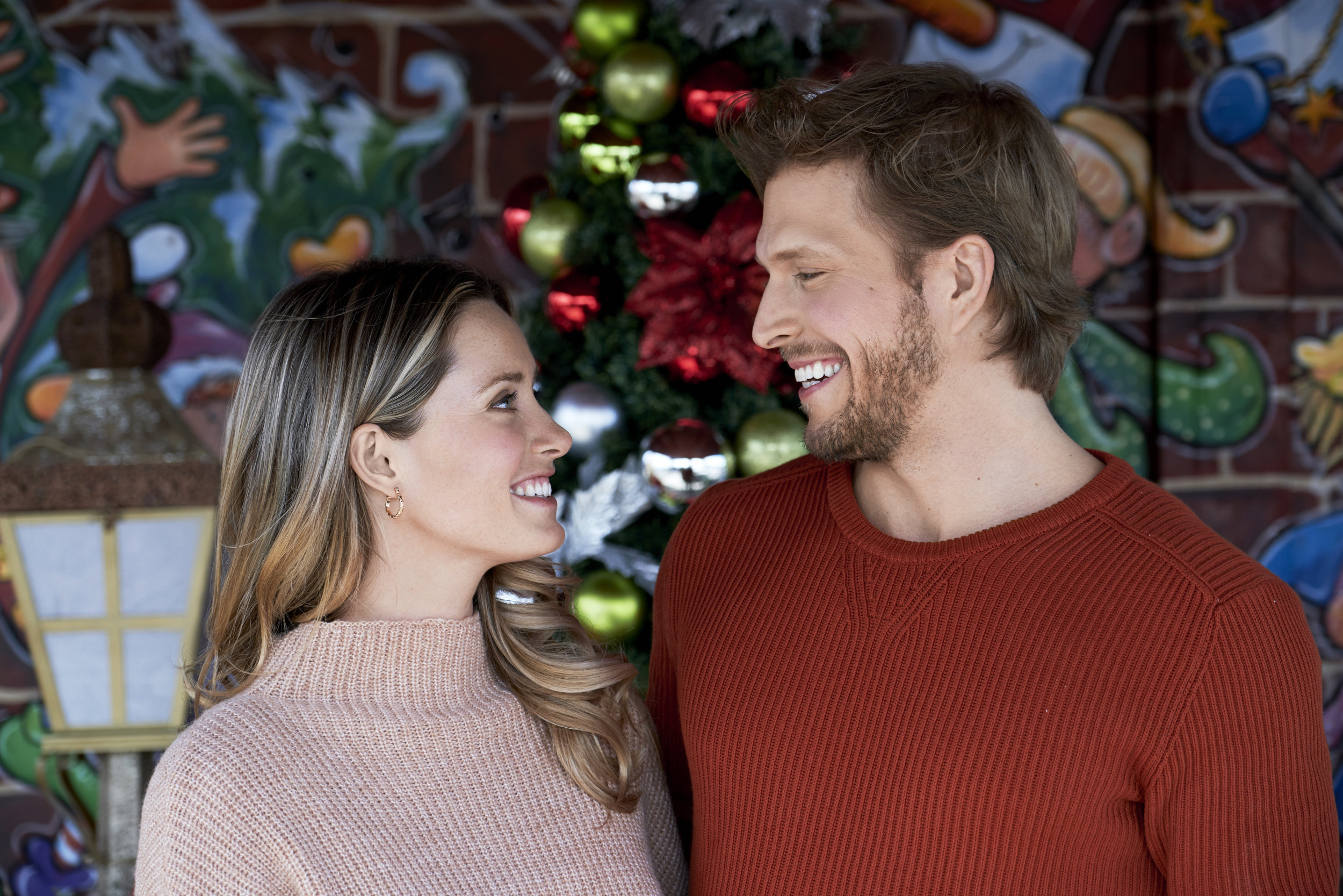 Tinsel Trivia - Picture a Perfect Christmas | Hallmark Channel